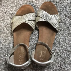 Used Toms Sandals